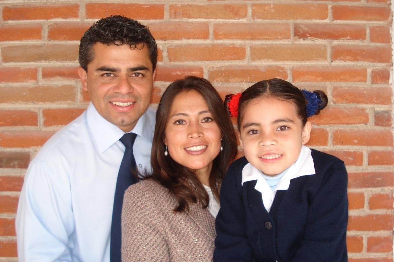 Daniel and Isis Lechuga Yañez